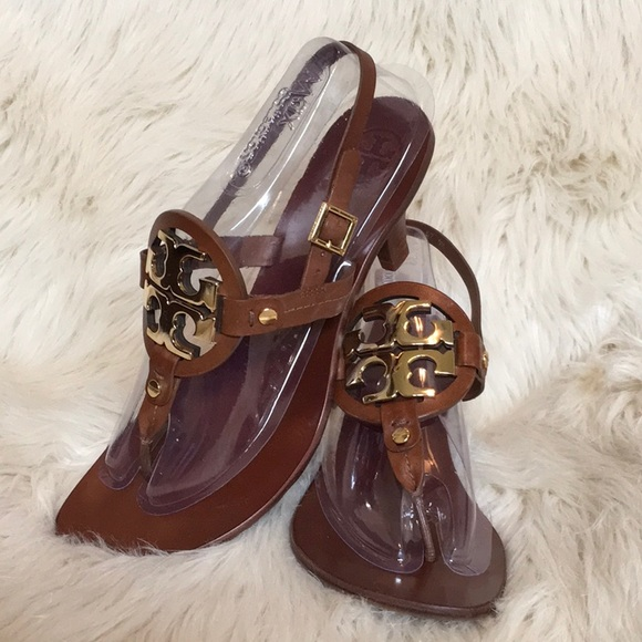 fa7b70e30766 TORY BURCH Holly Brown Leather Logo Sandals EUC 9M.  M 5aac197d5512fdcaef3b8e65